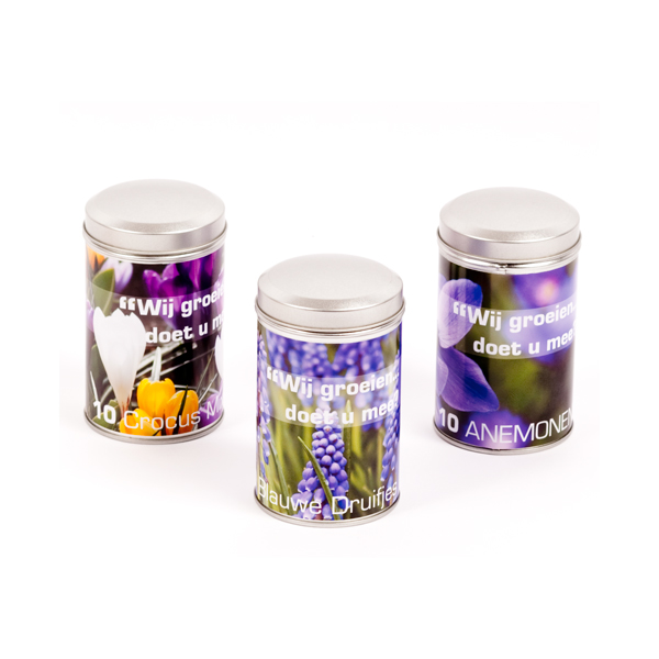 Round pepper can with flower bulbs