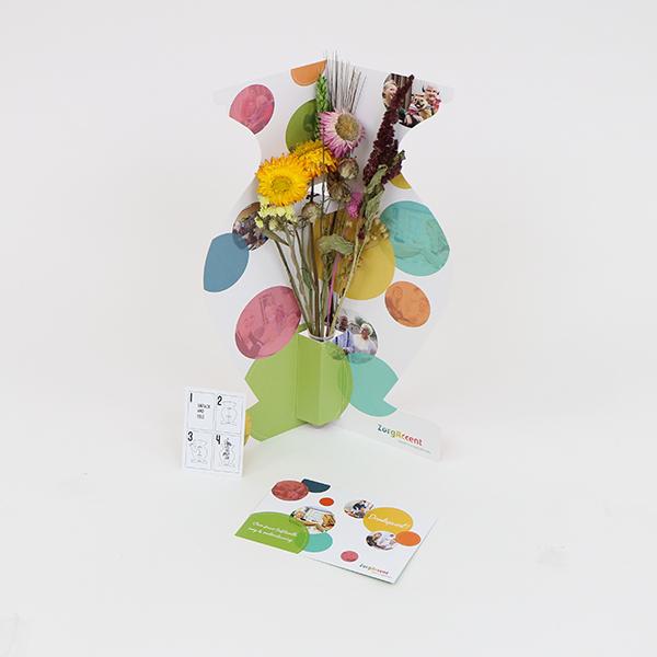 vase dried flowers